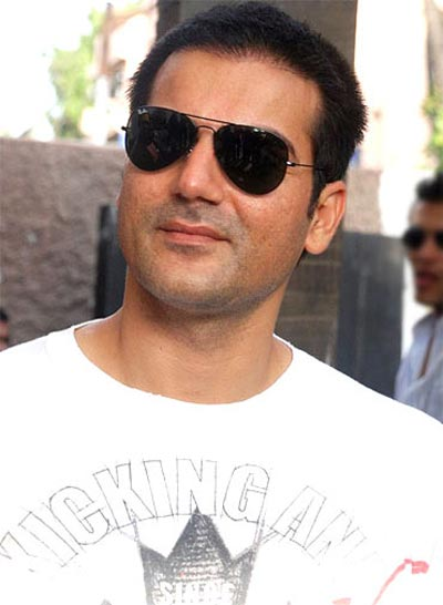 Wife Malaika makes no bones about her sensuality and he's comfortable with it -- a big hand to broadminded hubbies like Arbaaz Khan!