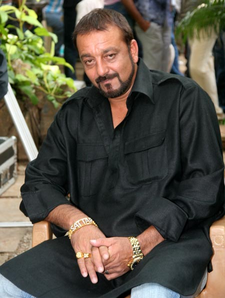 Sanjay Dutt lavishes wife Maanayata with gifts, his most recent purchase for her being a Rolls Royce!
