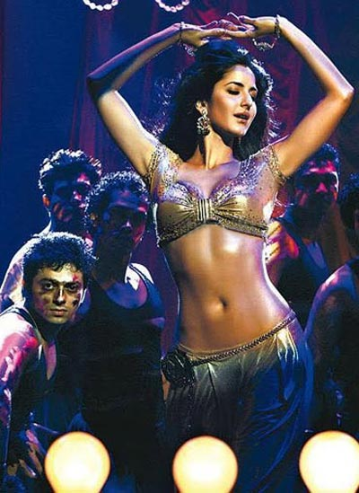 Most men would like a perfect 10 like Katrina Kaif on their arm!