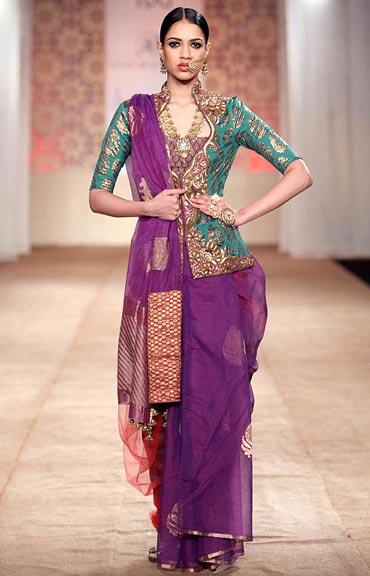 An Ashima-Leena sari
