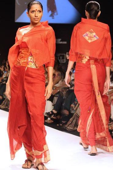 A Vaishali S sari