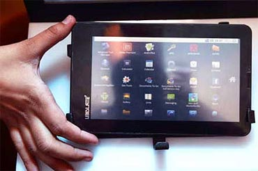 Your guide to India's $35 Aakash tablet PC