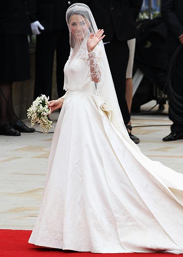 Kate Middleton arrives ahead of her wedding at Westminster Abbey on April 29, 2011 in London, England