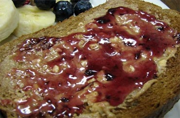 Multigrain bread with fruit spread