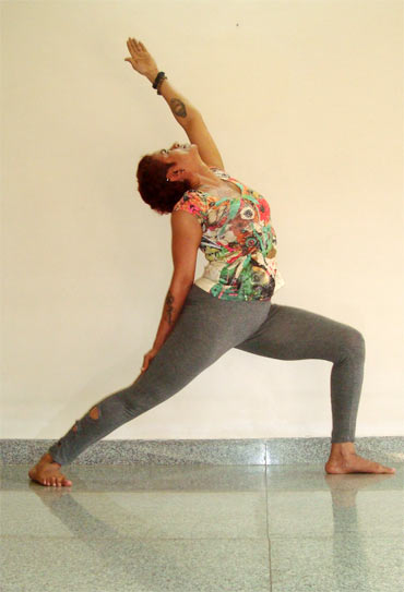 Virabhadrasana (Warrior, advanced version)