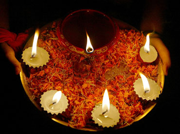 1. Opt for diyas over electricity