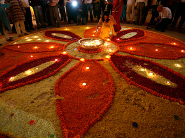 FIVE totally simple and really cool Diwali decoration ideas ...