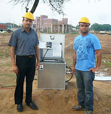 Arun Shenoy (left) and Mandar Kaprekar