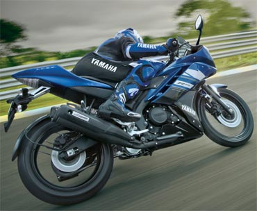 The R15 now costs Rs 1,07,000, ex-showroom price in New Delhi