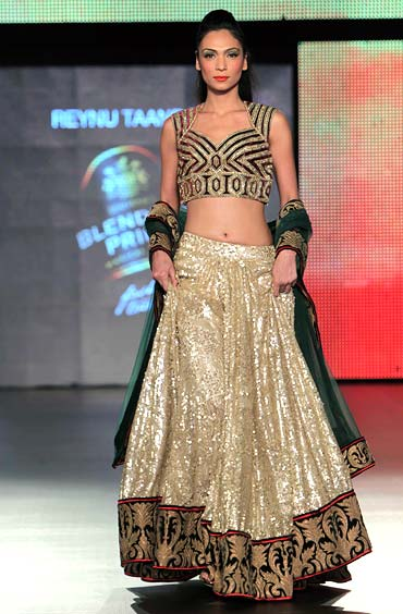 Shamita Singha for Reynu Taandon