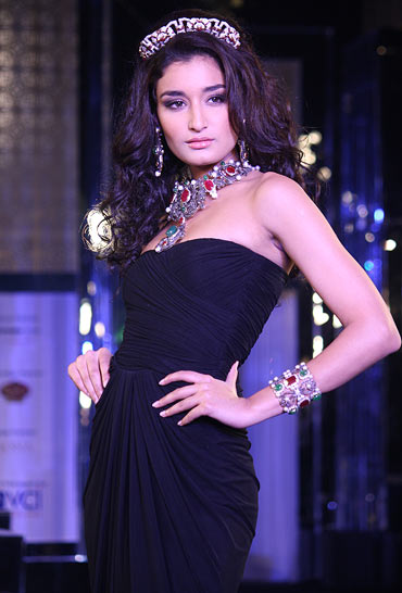 Miss India-World 2011 Kanishtha Dhankar for Queenie Singh