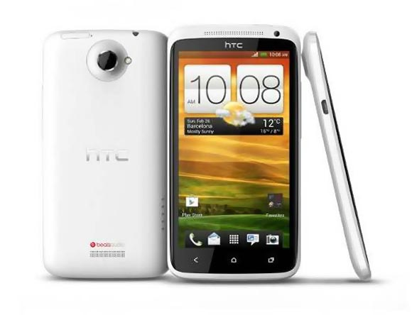 PHOTOS: HTC One X and HTC One V