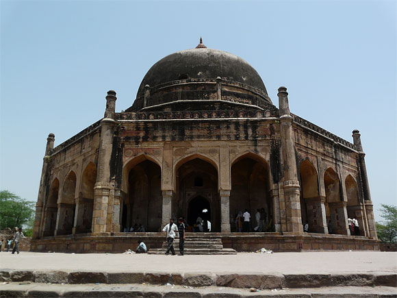 Adham Khan tomb