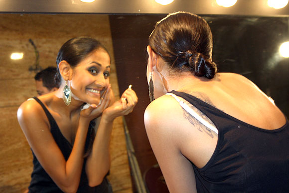 Exclusive Pics: Model Mitali Rannorey shoots for Rediff!