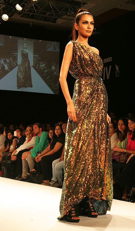 Sanea Shaikh for Vizyon