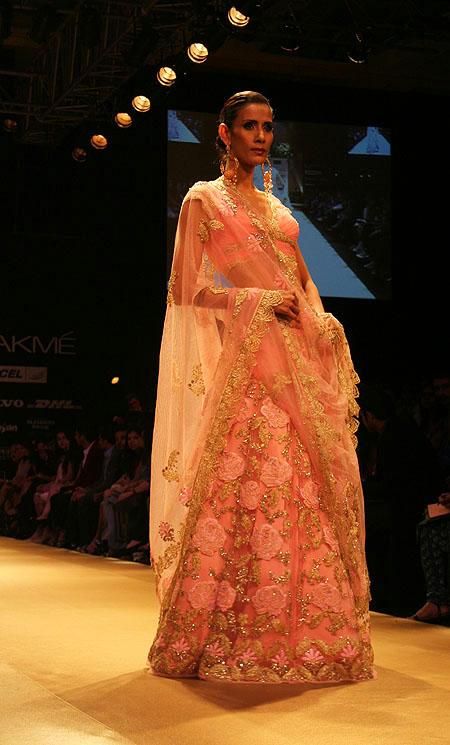 Kavita Kharayat for Pallavi Jaikishan