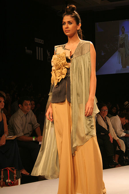 A Roma Narsinghani creation