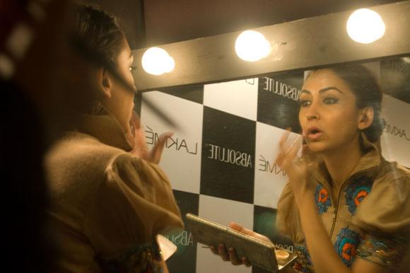 Photos: Backstage at Fashion Week