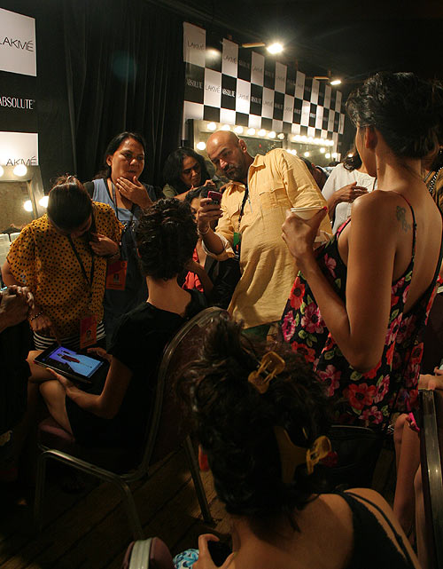 PICS: Models primp and preen backstage at Fashion Week!