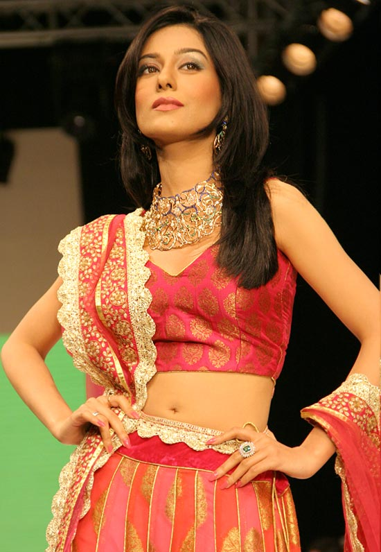 Amrita Rao for Agni Jewels
