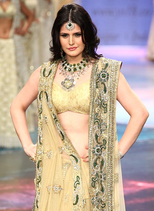 Zarine Khan for YS18