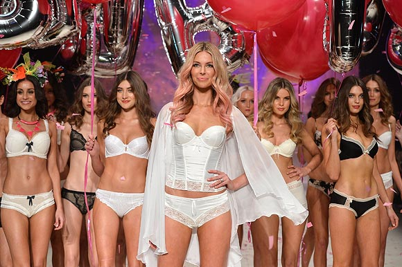 Jennifer Hawkins (centre) and models for Bendon at the Bendon lingerie showing