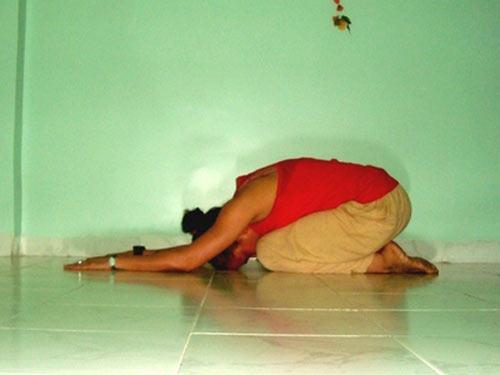 Shashankasana (Hare pose)
