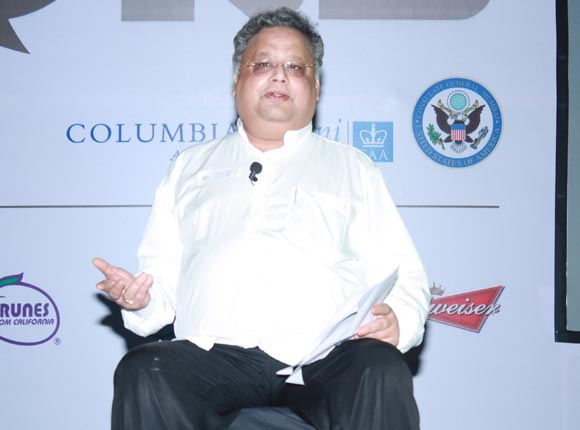 Rakesh Jhunjhunwala addresses the audience at EVOKE 2012 in Mumbai, December 6, 2012