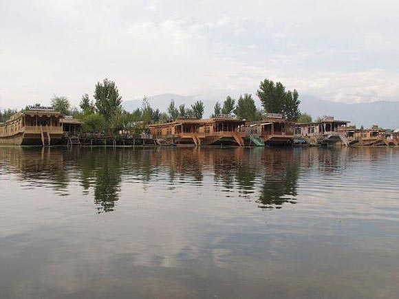 Dal Lake is Sringar's jewel in the crown.