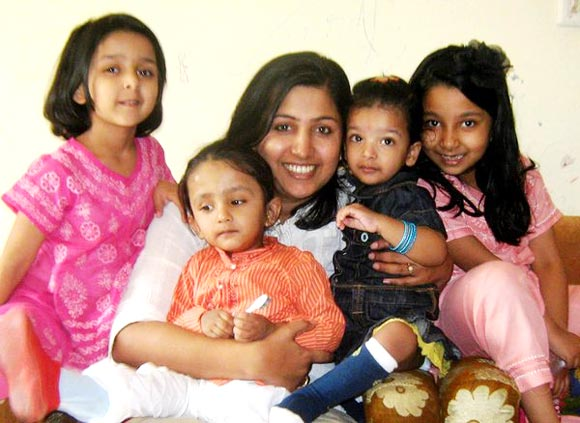 Shweta Mallick with her kids