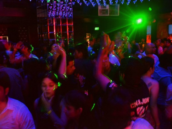 A retro-themed party in full swing at Hype in New Delhi