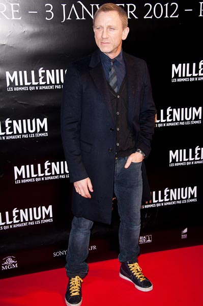 Daniel Craig in a pair of eye-grabbing Nikes at the premiere of Millenium: The Girl With The Dragon Tattoo in Paris