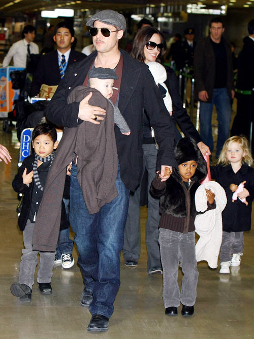 Angelina Jolie and Brad Pitt with children (L-R) Pax, Knox, Zahara and Shiloh; they are also parents to son Maddox and daughter Vivienne