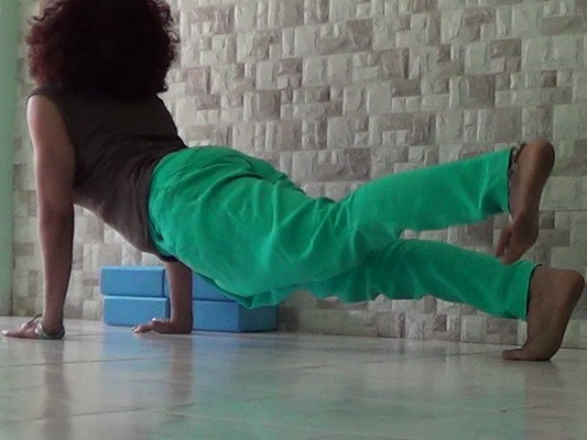 Urdhvamukhasvanasana (Upward facing dog pose)