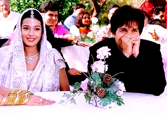 In Vivah, much in love Shahid Kapoor's and Amrita Rao's characters are introduced through their respective families