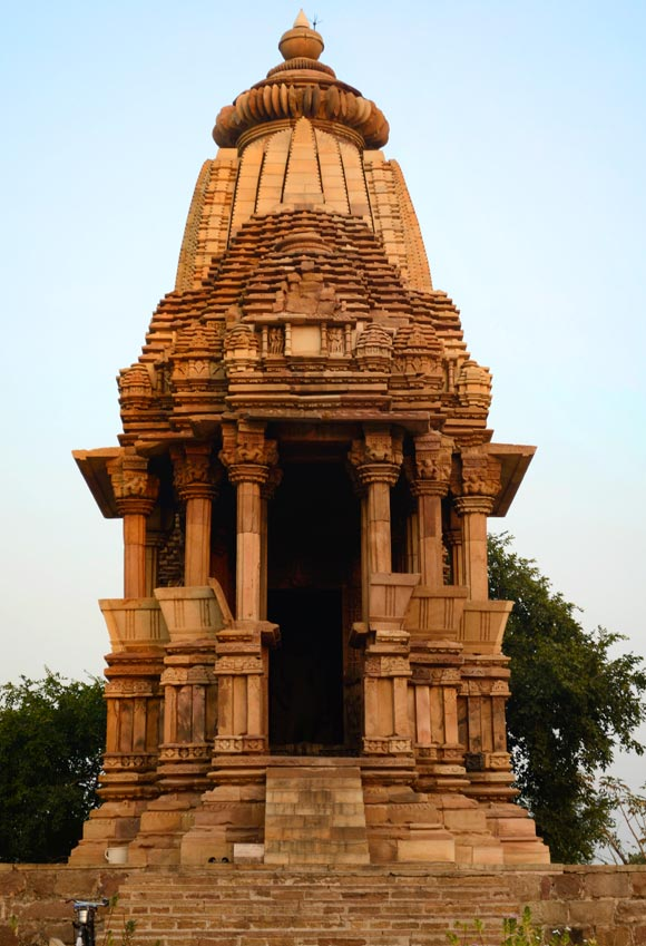The Chathurbhuj temple