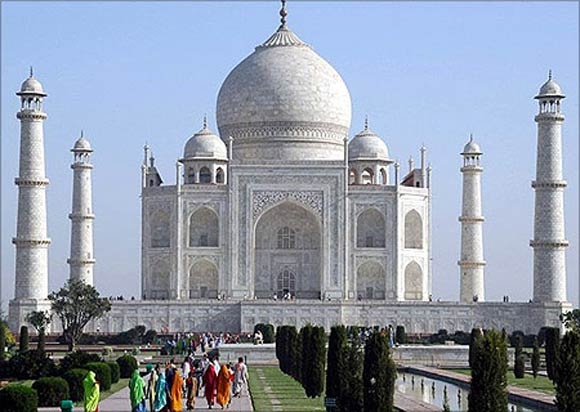 6. Golden Triangle (Delhi-Agra-Jaipur)