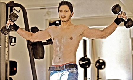 Shreyas Talpade gets 6-pack