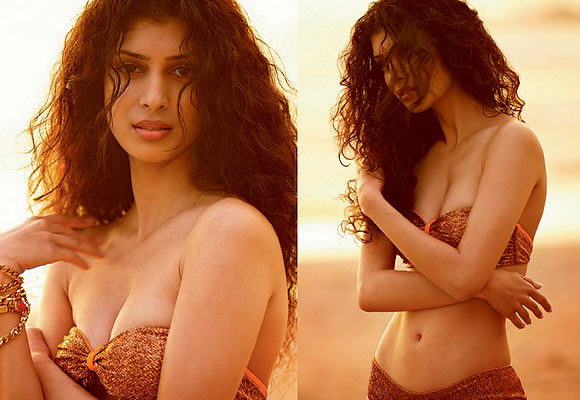 Tena Desae for Kingfisher Swimsuit Calendar