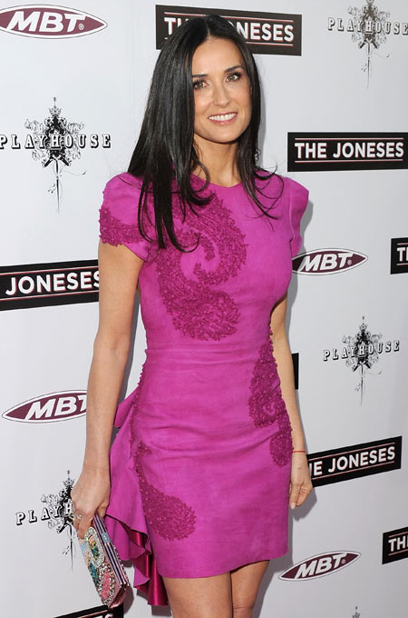 Demi Moore shines in a pretty paisley mini
