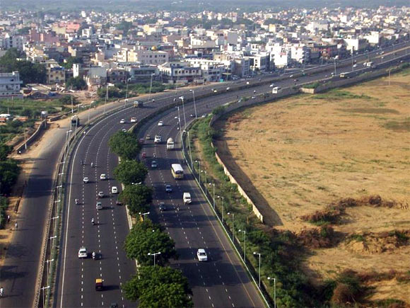 5 reasons you shouldn't invest along the Yamuna Expressway