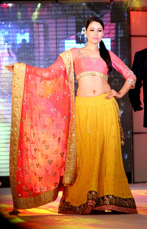 Shruti Agarwal for Manish Malhotra