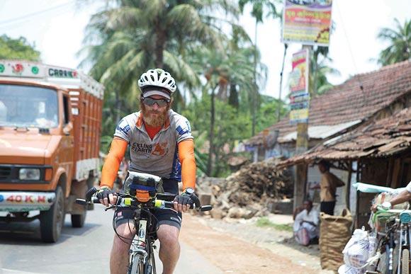Sean Conway cycled over 2,000 miles from Kolkata to Mumbai