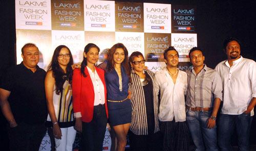 (LtoR)Judges Purnima Lamba, Kapil Bhalla, Anu Ahuja, Queenie Dhody, Anjana Sharma, Aki Narula, Clint Fernandes and Joy Datta