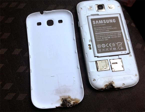 Samsung Galaxy SIII explodes in Dublin