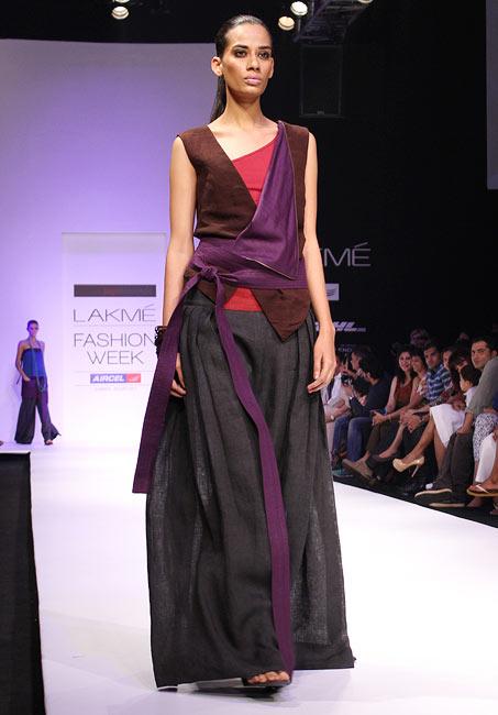 A model presents a Payal Khandwal creation
