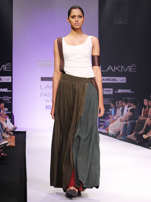 A model presents a Payal Khandwala creation