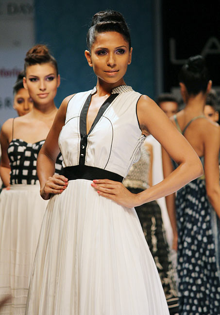 Candice Pinto presents an Anita Dongre's creation