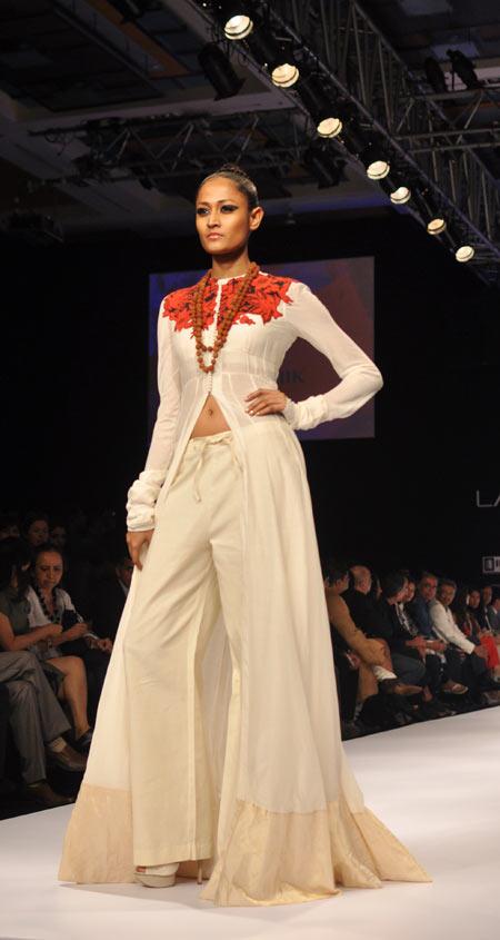 Surelee Joseph walks the ramp for designer Anamika Khanna
