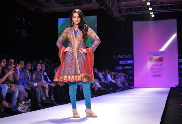 Sonakshi Sinha takes the ramp for designer JJ Valaya